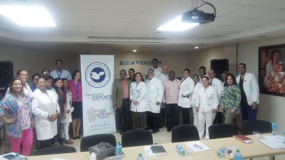 Consejo Nacional de Drogas y Hospital Materno Infantil San Lorenzo de Los Mina realizan mesa técnica sobre abuso de alcohol y drogas