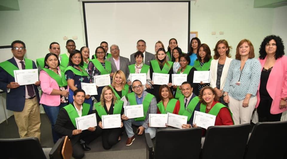 Read more about the article Directores de la Red Pública se capacitan en Gestión Hospitalaria