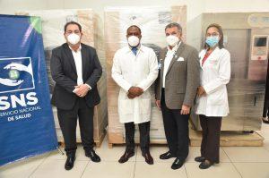 Read more about the article SNS entrega equipos valorado en más de 3 millones de pesos a la Maternidad de Los Mina