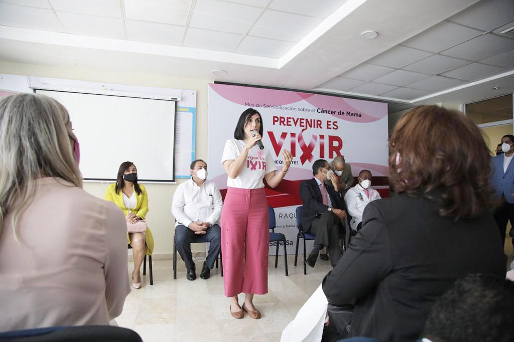 Read more about the article Primera Dama encabeza jornada gratuita para detectar cáncer de mama en la Maternidad de Los Mina