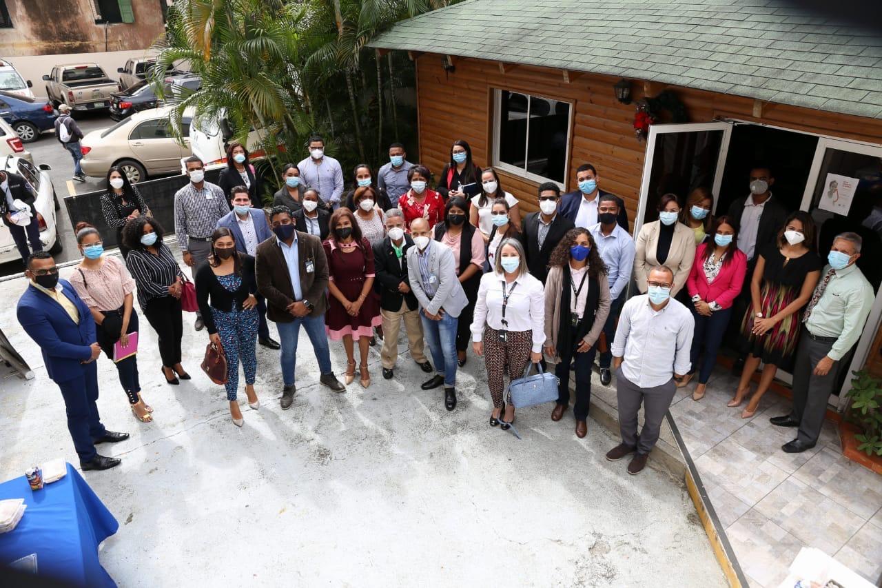 Maternidad de Los Mina participa en taller de seguimiento a la implementación del manual de identidad hospitalaria