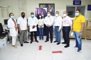 Read more about the article SNS entrega equipos valorado en más de 9 millones de pesos a la Maternidad de Los Mina