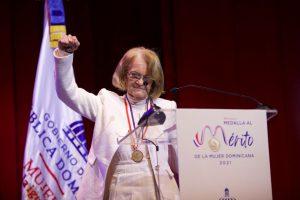 Entregan Medalla al Mérito a la enfermera Edith Ramírez Ferreira